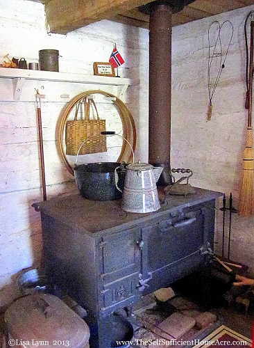 Old world cooking at the Autumn Pioneer Festival.